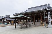 Templet Konzō-ji. Nummer 76.<br /> <br /> Pilgrimsvandring till 88 tempel på japanska ön Shikoku till minne av den japanske munken Kūkai (Kōbō Daishi). <br /> <br /> Fotograf: Christina Sjögren<br /> Copyright 2018, All Rights Reserved<br /> <br /> <br /> The Konzō-ji (金倉寺) temple. Temple number 76 at the Shikoku Pilgrimage, 88 temples associated with the Buddhist monk Kūkai (Kōbō Daishi) on the island of Shikoku, Naruto,Tokushima Prefecture, Japan