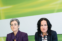 "06.03.2017, Grüner Parlamentsklub, Wien, AUT, Grüne, Pressekonferenz mit dem Titel ""Die unsolidarische EU-Politik der Regierung und aktuelle frauenpolitische Fragen"". im Bild v.l.n.r. Delegationsleiterin der österreichischen Grünen im EU Parlament Ulrike Lunacek und Grüne Klubobfrau Eva Glawischnig // f.l.t.r. MEP and Vice-President of the European Parliament Ulrice Lunacek (Group of the Greens/ European Free Alliance) and Leader of the parliamentary group the greens Eva Glawischnig during press conference of the parliamentary group the greens in Vienna, Austria on 2017/03/06. EXPA Pictures © 2017, PhotoCredit: EXPA/ Michael Gruber"