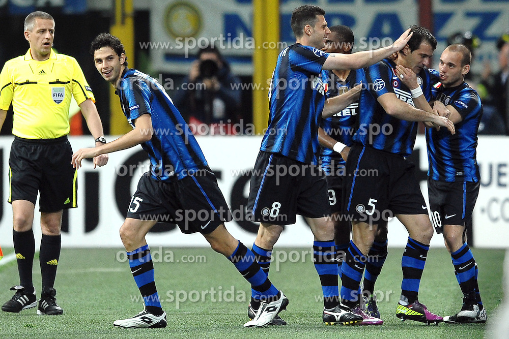 05.04.2011, Giuseppe Meazza, Mailand, ITA, UEFA CL Viertelfinale, Hinspiel, Inter Mailand (ITA) vs FC Schalke 04 (GER), im Bild Dejan  STANKOVIC celebrates scoring., PhotoCredit: EXPA/ InsideFoto/ Andrea Staccioli         +++++ ATTENTION - FOR AUSTRIA/AUT, SLOVENIA/SLO, SERBIA/SRB an CROATIA/CRO CLIENT ONLY +++++