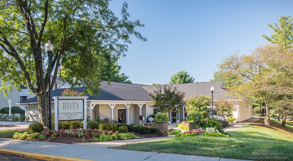 Exterior photo of Rolling Hills Apartments in Germantown Maryland by Jeffrey Sauers of Commercial Photographics, Architectural Photo Artistry in Washington DC, Virginia to Florida and PA to New England