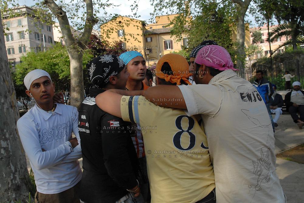 Roma, 15/04/2007: Comunità Sikh in arrivo da tutta Italia festeggia il Baisakhi della fondazione del Khalsa sfilando per la vie dell'Esquilino.