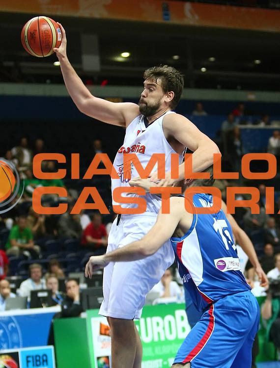 DESCRIZIONE : Vilnius Lithuania Lituania Eurobasket Men 2011 Second Round Spagna Serbia Spain Serbia<br /> GIOCATORE : Marc Gasol<br /> CATEGORIA : rimbalzo<br /> SQUADRA : Spagna Spain<br /> EVENTO : Eurobasket Men 2011<br /> GARA : Spagna Serbia Spain Serbia<br /> DATA : 09/09/2011<br /> SPORT : Pallacanestro <br /> AUTORE : Agenzia Ciamillo-Castoria/G.Matthaios<br /> Galleria : Eurobasket Men 2011<br /> Fotonotizia : Vilnius Lithuania Lituania Eurobasket Men 2011 Second Round Spagna Serbia Spain Serbia<br /> Predefinita :