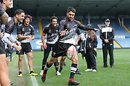 Shaun Johnson kicks the ball during the drop goal challenge at the end of the field session during the New Zealand Rugby League captain's run ahead of the 3rd Autumn International Series Match at Elland Road, Leeds.<br /> Picture by Stephen Gaunt/Focus Images Ltd +447904 833202<br /> 10/11/2018