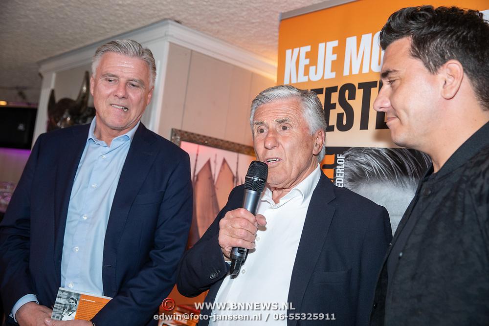 NLD/Volendam/20190522 - Boekpresentatie Keje Molenaar – Meesterlijk, Keje, Sjaak Swart en jan Smit