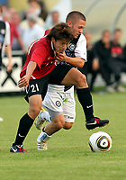 Fotball<br /> Østerrike<br /> 26.06.2010<br /> Foto: Gepa/Digitalsport<br /> NORWAY ONLY<br /> <br /> tipp3 Bundesliga powered by T-Mobile, J. League Division 1, IFCS, SK Sturm Graz vs Urawa Red Diamonds, Vorbereitungsspiel. <br /> <br /> Bild zeigt Takuya Nagata (Urawa) und Sandro Foda (Sturm)