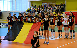 28-12-2013 VOLLEYBAL: TOPVOLLEYBAL TOURNOOI NEDERLAND BELGIE: ALMELO<br /> Nederland wint de eerste wedstrijd met 3-0 van Belgie / Line up Team Belgie<br /> ©2013-FotoHoogendoorn.nl