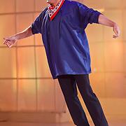 NLD/Hilversum/20110204 - 2e Liveshow Sterren Dansen op het IJs 2011, Gerard Joling in boerenkil
