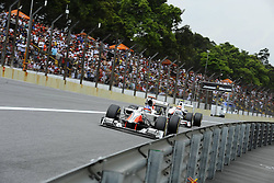 26.11.2011, Autodromo Jose Carlos Pace, Sao Paulo, BRA, F1, Grosser Preis von Brasilien, im Bild Daniel Ricciardo (AUS) Hispania Racing F1 Team - Sergio Perez (MEX) Sauber F1 Team // during the Formula One Championships 2011 Grand Prix of Brazil held at the Autodromo Jose Carlos Pace, Sao Paulo, Brazil on 2011/11/26. EXPA Pictures © 2011, PhotoCredit: EXPA/ nph/ Dieter Mathis..***** ATTENTION - OUT OF GER, CRO *****