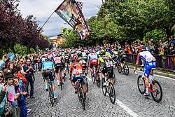 26.05.2019, Como, ITA, Giro d Italia 2019, 15. Etappe, Ivrea - Como (237 km), im Bild i Corridori ala partenza // the Ryders at the start during stage 15 of the 102nd Giro d'Italia cycling race from Ivrea to Como (237 km) Como, Italy on 2019/05/26. EXPA Pictures © 2019, PhotoCredit: EXPA/ laPresse/ Gian Mattia D'Alberto<br /> <br /> *****ATTENTION - for AUT, SUI, CRO, SLO only*****