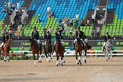 Auffarth Sandra (GER), Klimke Ingrid (GER), Jung Michael (GER), Krajewski Julia (GER)<br /> Klimke, Ingrid (GER);<br /> Jung, Michael (GER);<br /> Krajewski, Julia (GER), <br /> Rio de Janeiro - Olympische Spiele 2016<br /> Siegerehrung Vielseitigkeit Mannschaftsentscheidung<br /> © www.sportfotos-lafrentz.de/Stefan Lafrentz
