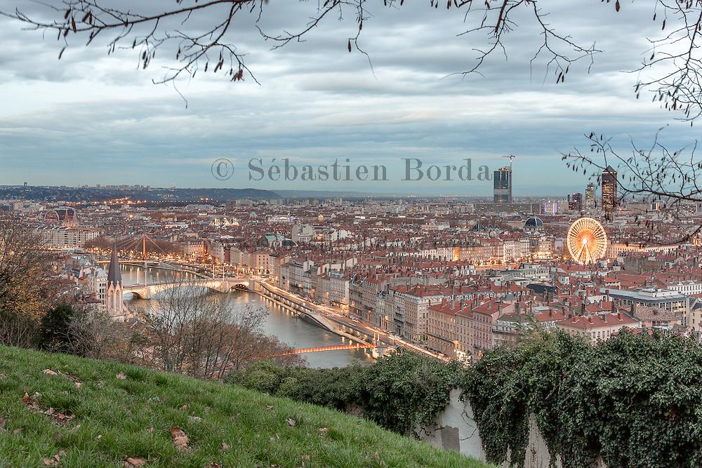 Vue sur Lyon depuis le jardin des curiosités Fourvière // View of Lyon from jardin des curiosités garden in Fourvière area