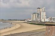 Nederland,  Vlissingen, 14-9-2014Hoogbouw aan de boulevard en het strand van Vlissingen.FOTO: FLIP FRANSSEN/ HOLLANDSE HOOGTE