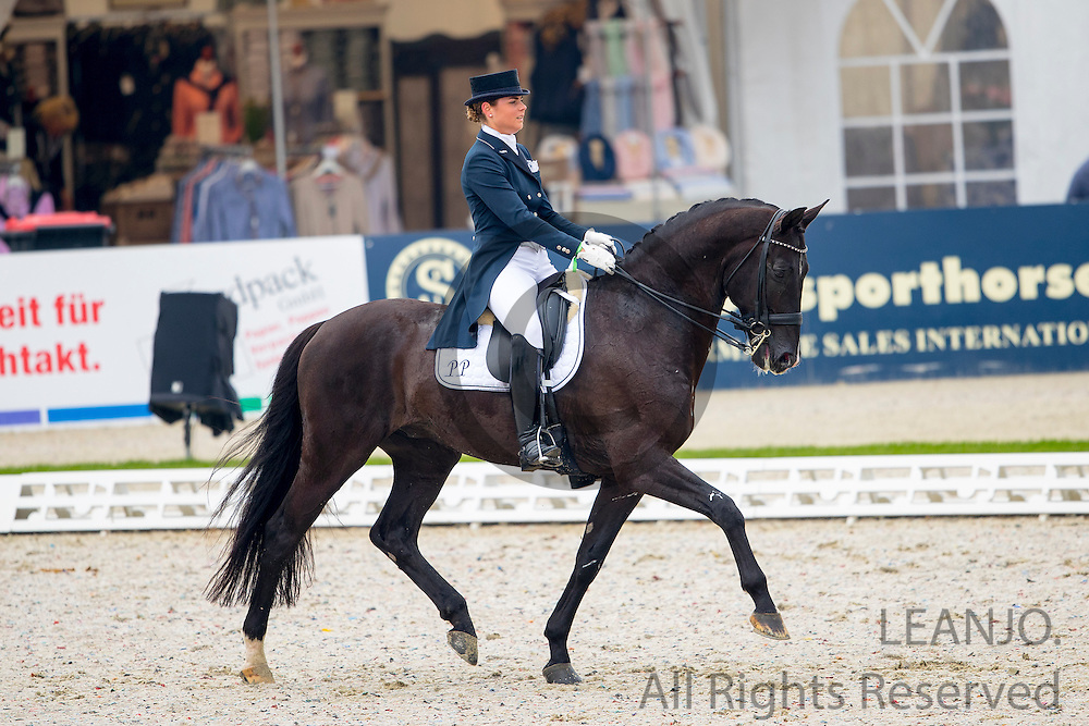 Mara de Vries and Cuvanck PP winner Intermediare I<br /> CDI1* Hagen 2016<br /> &copy; DigiShots
