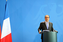 31.03.2015, Bundeskanzleramt, Berlin, GER, SPO, Staatsbesuch, Hollande, im Bild Francois Hollande, Staatspraesident Frankreich // POL during the 17th German- French Council of Ministers Bundeskanzleramt in Berlin, Germany on 2015/03/31. EXPA Pictures © 2015, PhotoCredit: EXPA/ Eibner-Pressefoto/ Hundt<br /> <br /> *****ATTENTION - OUT of GER*****