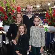 NLD/Amsterdam/20200126 - Jumping Amsterdam 2020, Prinses Margarita de Bourbon de Parme met haar partner Tjalling ten Cate en haar dochters