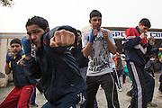Un moment de l'entraînement de l'après midi dans la cour du BBC (Bhiwani Boxing Club) complexe.