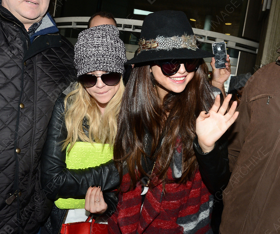 16.FEBRUARY.2013. PARIS<br /> <br /> SELENA GOMEZ IS SPOTTED ARRIVING WITH A FRIEND AT ROISSY-CHARLES DE GAULLE AIRPORT IN PARIS AFTER FLYING IN FROM LOS ANGELES.<br /> <br /> BYLINE: EDBIMAGEARCHIVE.CO.UK<br /> <br /> *THIS IMAGE IS STRICTLY FOR UK NEWSPAPERS AND MAGAZINES ONLY*<br /> *FOR WORLD WIDE SALES AND WEB USE PLEASE CONTACT EDBIMAGEARCHIVE - 0208 954 5968*