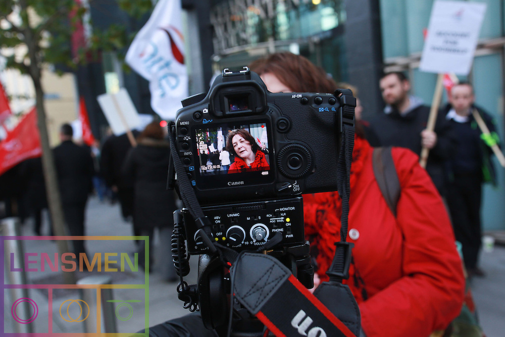 **** NO REPRODUCTION FEE **** 20/11/2012: DUBLIN: UNITE CALLS FOR UNION SUPPORT OVER ACCOUNTANT DISPUTE. Pictured protesting outside Chartered Accountants Ireland, Pearse Street. Pictured by Lensmen Photo Agency. UNITE CALLS FOR UNION SUPPORT OVER ACCOUNTANT DISPUTE<br />