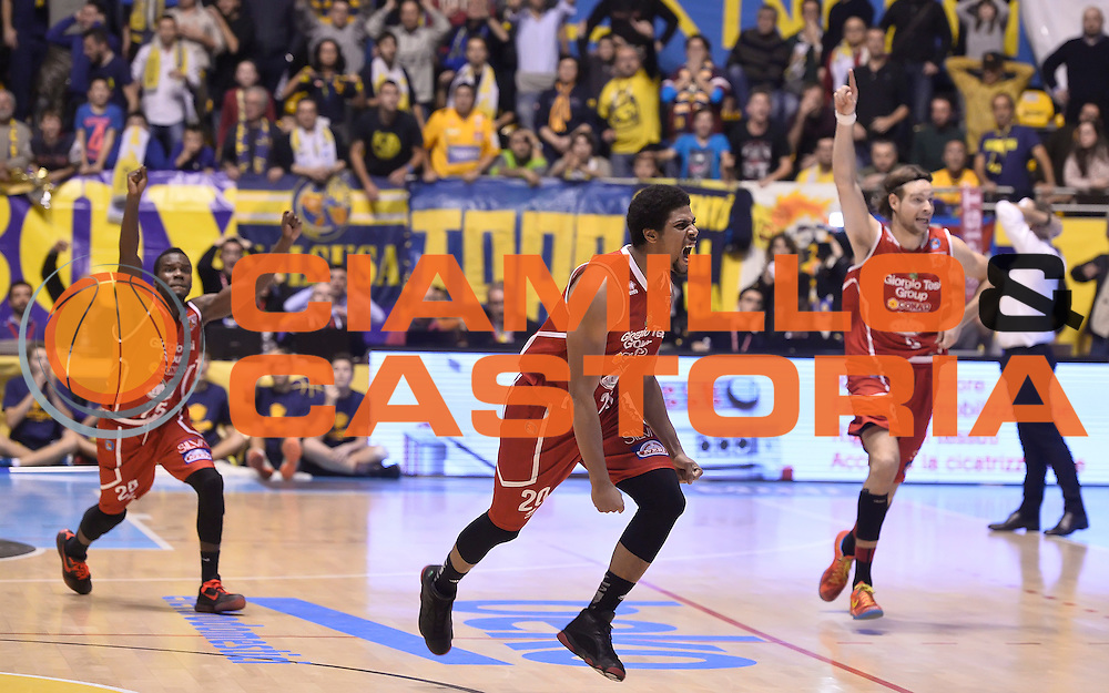 DESCRIZIONE : Torino Auxilium Manital Torino Giorgio Tesi Group Pistoia<br /> GIOCATORE : Wayne Blackshear<br /> CATEGORIA : esultanza<br /> SQUADRA : Giorgio Tesi Group Pistoia<br /> EVENTO : Campionato Lega A 2015-2016<br /> GARA : Auxilium Manital Torino Giorgio Tesi Group Pistoia<br /> DATA : 07/12/2015 <br /> SPORT : Pallacanestro <br /> AUTORE : Agenzia Ciamillo-Castoria/R.Morgano<br /> Galleria : Lega Basket A 2015-2016<br /> Fotonotizia : Torino Auxilium Manital Torino Giorgio Tesi Group Pistoia<br /> Predefinita :