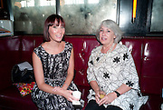 PARIS NEILSON; JUDITH NEILSON, Brunch to celebrate the launch of Art HK 11. Miss Yip Chinese Cafe. Meridian ave,  Miami Beach. 3 December 2010. -DO NOT ARCHIVE-© Copyright Photograph by Dafydd Jones. 248 Clapham Rd. London SW9 0PZ. Tel 0207 820 0771. www.dafjones.com.