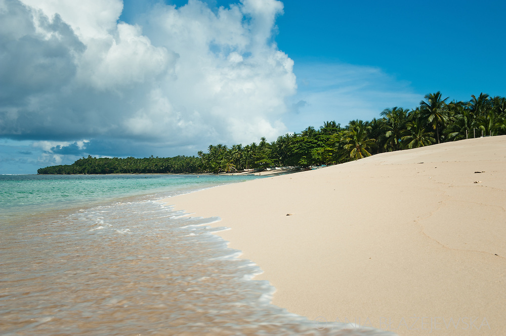Philippines, Siargao. Beach on Dako Island, one of the tropical island of the archipelago.