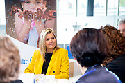 Koningin Maxima tijdens een werkbezoek aan Make-A-Wish Nederland in Hilversum. Het bezoek vond plaats in het kader van het dertigjarig jubileum van de organisatie.<br /> <br /> Queen Maxima during a working visit to Make-A-Wish Netherlands in Hilversum. The visit took place in the context of the organisation's thirty-year anniversary.