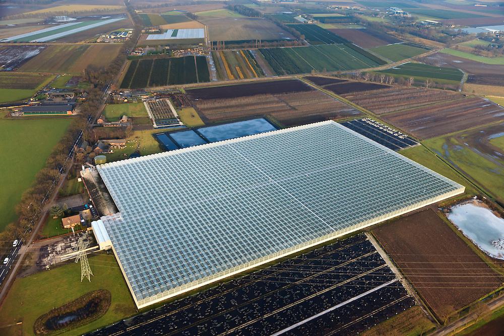 Nederland, Provincie, Plaats, 10-01-2011;.Kassengebied bij Venlo: Zon Fresh Park.luchtfoto (toeslag), aerial photo (additional fee required).foto/photo Siebe Swart