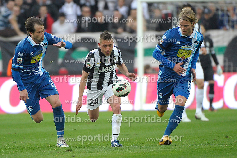 06.04.2013, Juventus Stadion, Turin, ITA, Serie A, Juventus Turin vs Pescara Calcio, 29. Runde, im Bild Emanuele Giaccherini Juventus // during the Italian Serie A 29th round match between Juventus FC and Pescara Calcio at the Juventus Stadium, Turin, Italy on 2013/04/06. EXPA Pictures © 2013, PhotoCredit: EXPA/ Insidefoto/ Federico Tardito..***** ATTENTION - for AUT, SLO, CRO, SRB, BIH and SWE only *****