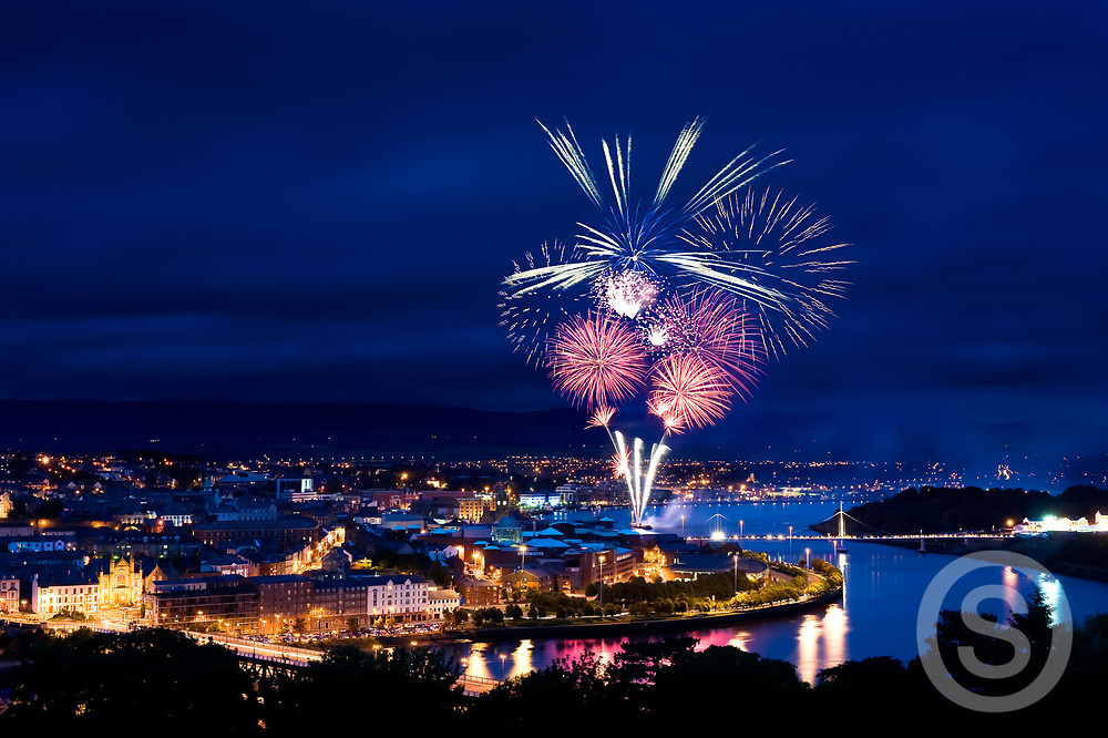 Photographer: Chris Hill, Fireworks, Derry City