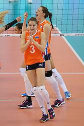 28-09-2017 AZE: CEV European Championship Italie - Nederland, Baku<br /> Nederland wint met 3-0 van Italie en staat in de halve finale / Yvon Belien #3 of Netherlands, Lonneke Sloetjes #10 of Netherlands