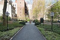 Park at 5 Tudor City Place
