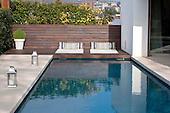 Modern Pool 671
