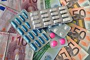 Nederland, Ubbergen, 15-2-2013Medicijnen en geld. Kosten medische sector, zorgstelsel.Foto: Flip Franssen/Hollandse Hoogte