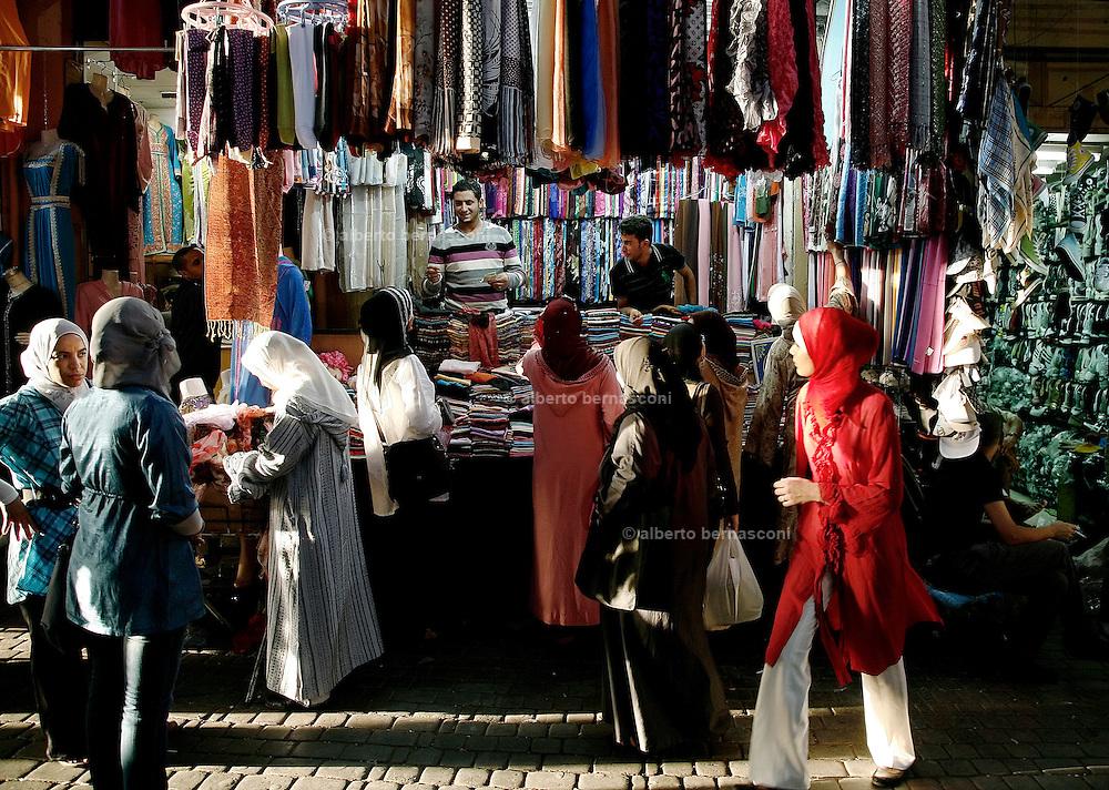 MAROC, Marrakesh:souk Morocco