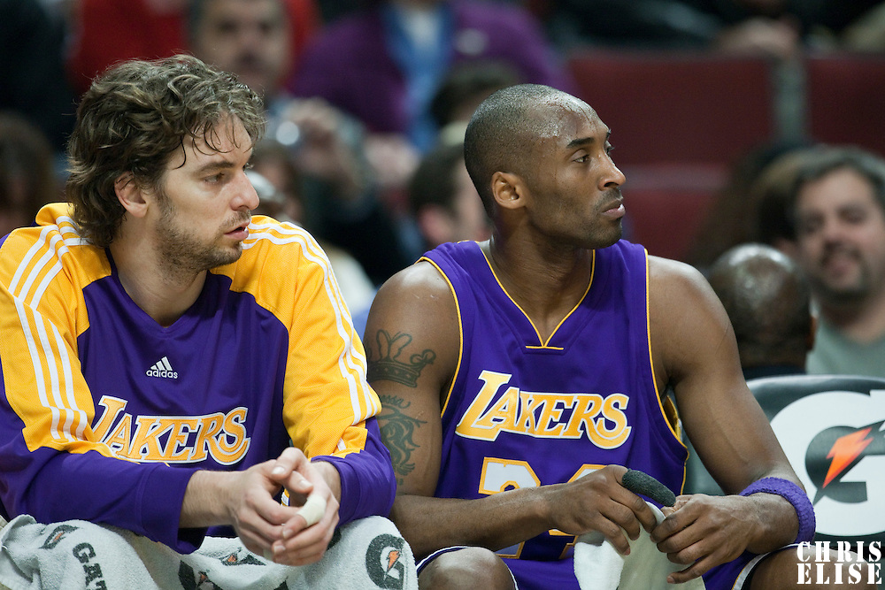 15 December 2009: Los Angeles Lakers forward Pau Gasol and Los Angeles Lakers guard Kobe Bryant are seen on the bench during the Los Angeles Lakers 96-87 victory over the Chicago Bulls at the United Center, in Chicago, Illinois, USA.