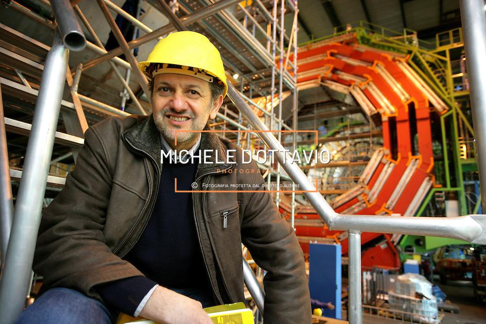 CERN di Ginevra 13/02/07, il nuovo impianto dell'acceleratore LHC (Large Hadron Collider)  lungo 27 km ad una profondità media di 80 metri... nella foto il Professor Guido Tonelli ....fotografia di Michele D'Ottavio