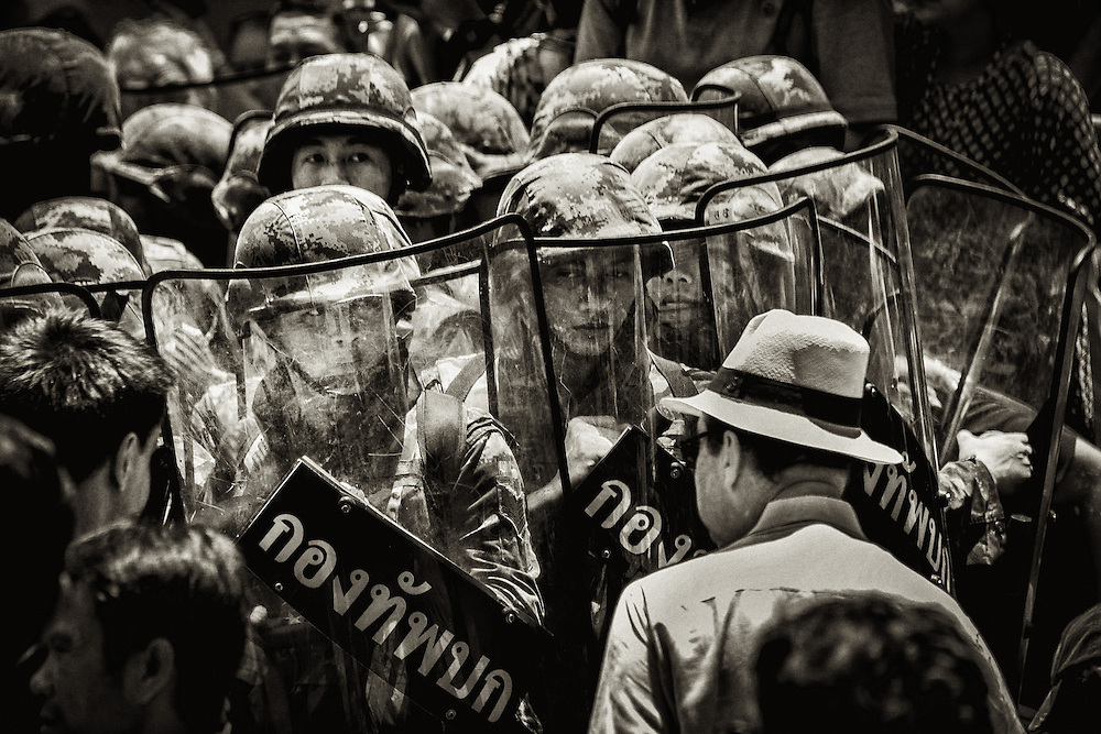 Anti-Coup protesters and the army face off in central Bangkok, Thailand, May 25, 2014.