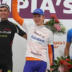 Podium Royal Smilde Olympia's Tour 2011 winnaarr Jetse Bol, 2nd Jack Bauer en 3th Tom Dumoulin