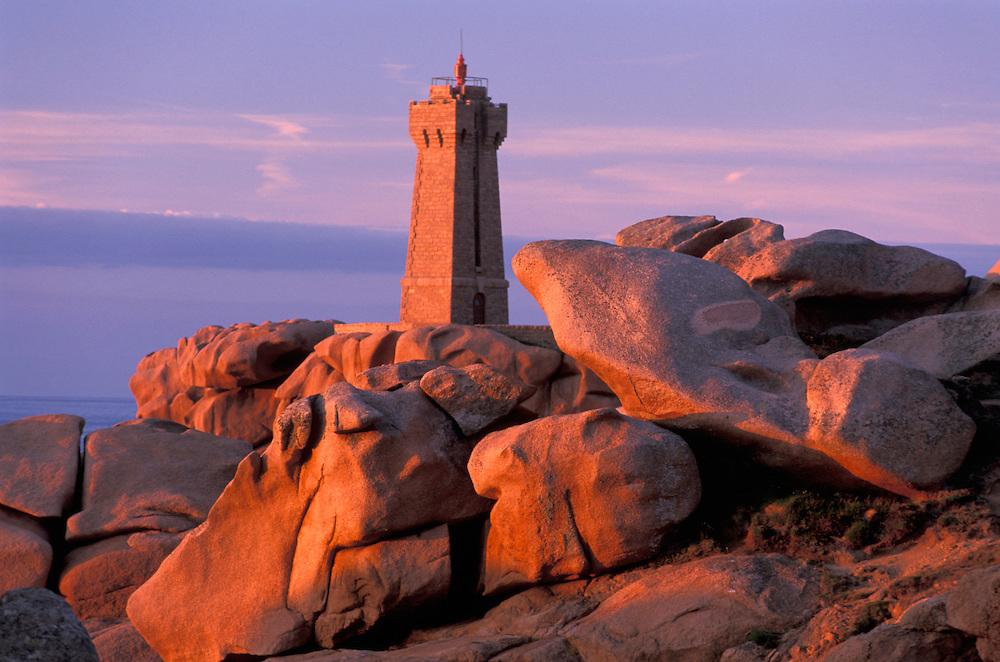 Lighthouse, Cliffs and surf,Cote de Granite rose,Pointe de Squewel,Brittany,Bretagne,France