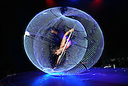 LE NOIR the DARK SIDE of CIRQUE. Alexandre Lane <br />