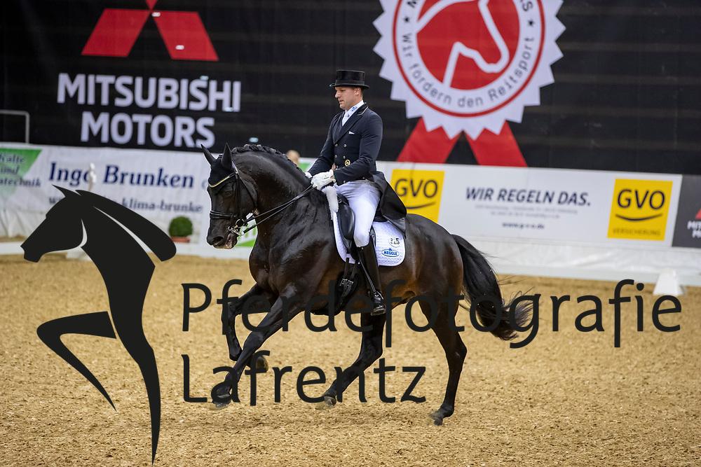BOUTEN Matthias (GER), Meggle's Boston<br /> Oldenburg - AGRAVIS-Cup 2018<br /> Grand Prix de Dressage<br /> 02. November 2018<br /> © www.sportfotos-lafrentz.de/Stefan Lafrentz