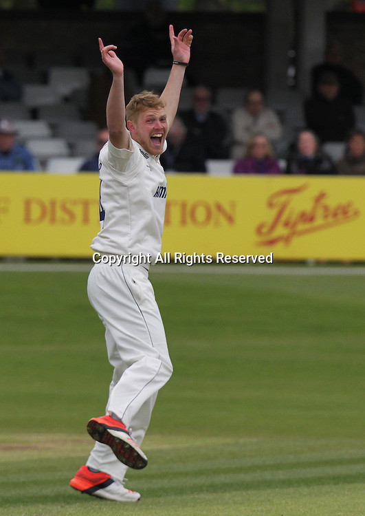 Jamie Porter appeals for a wicket 19.04.2015 Chelmsford, Essex. LV County Championship -  Essex CCC versus Kent CCC.  Action from the Essex County Ground, Chelmsford, Essex.