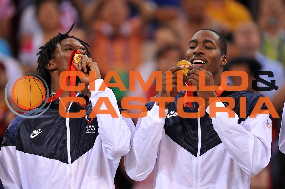 DESCRIZIONE : Beijing Pechino Olympic Games Olimpiadi 2008 Final Gold Medal 1-2 posto place Spain Usa <br /> GIOCATORE : Chris Bosh Dwight Howard <br /> SQUADRA : Usa <br /> EVENTO : Olympic Games Olimpiadi 2008 <br /> GARA : Spagna Usa <br /> DATA : 24/08/2008 <br /> CATEGORIA : Ritratto Esultanza Premiazione <br /> SPORT : Pallacanestro <br /> AUTORE : Agenzia Ciamillo-Castoria/E.Castoria <br /> Galleria : Beijing Pechino Olympic Games Olimpiadi 2008 <br /> Fotonotizia : Beijing Pechino Olympic Games Olimpiadi 2008 Final Gold Medal 1-2 posto place Spain Usa <br /> Predefinita :