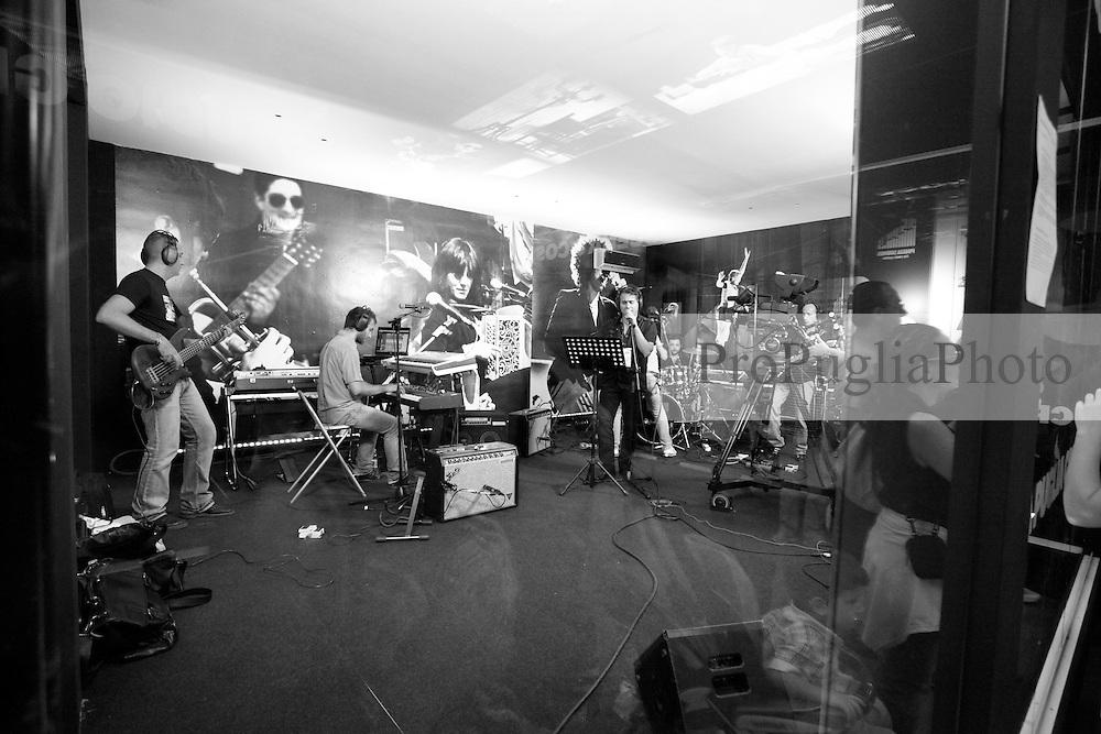 OGGI 18 Settembre 2010<br /> Live al Cineporto di Bari con ProPugliaPhoto e Apulia Film Commission<br /> Fotografia di Giorgio D'Aria