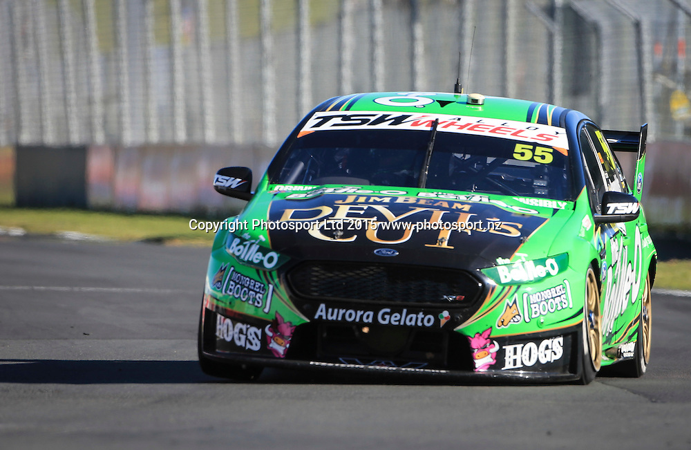 David Reynolds on his way to winning race 2. ITM 500 V8 Supercars, Pukekohe, Auckland, New Zealand. Saturday, 07 November 2015. Copyright photo: John Cowpland / www.photosport.nz