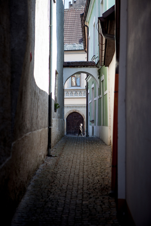 A little alley located at the South Bohemian city of Tabor. A group of Jan Hus followers came to a hill where a Premyslid settlement used to be and they founded a town there in the year 1420 and gave it a Biblical name - Tabor. Being led by captains Jan Zizka of Trocnov and Prokop Holy they started out on their victorious battles from there. The foundation of Tabor is connected with the name of Jan Hus, a great reformer of the Catholic Church.