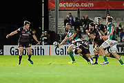 Fast ball for Benetton made the difference during the Guinness Pro 14 2017_18 match between Edinburgh Rugby and Benetton Treviso at Myreside Stadium, Edinburgh, Scotland on 15 September 2017. Photo by Kevin Murray.