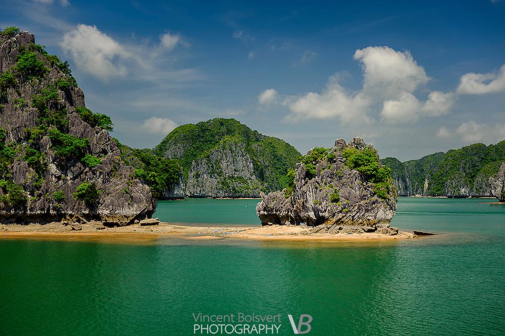 Isolated beach in Lan ha bay near Cat Ba Island, Vietnam
