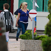 NLD/Volendam/20130614 - Zwangere Liza Smit - Plat met dochter Fem,