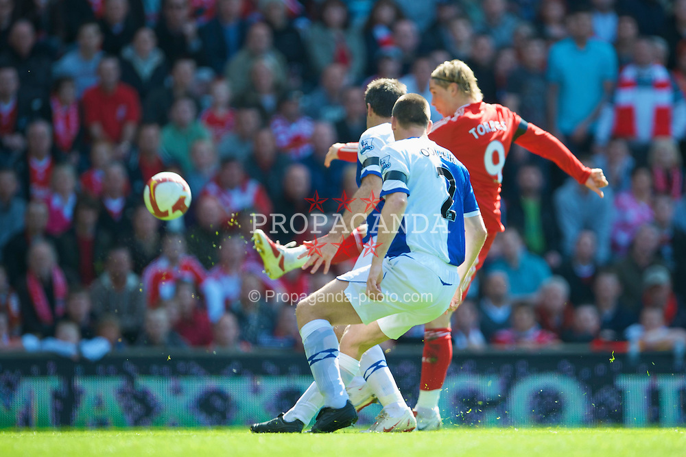 LIVERPOOL, ENGLAND - Saturday, April 11, 2009: Liverpool's Fernando Torres scores the opening goal against Blackburn Rovers during the Premiership match at Anfield. (Photo by: David Rawcliffe/Propaganda)